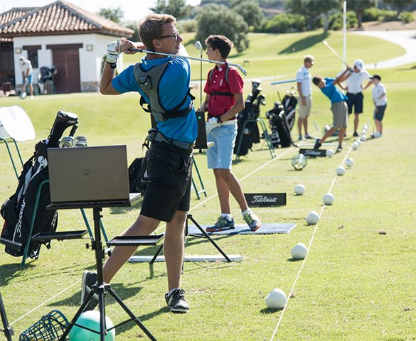 golf academy-for-young-people