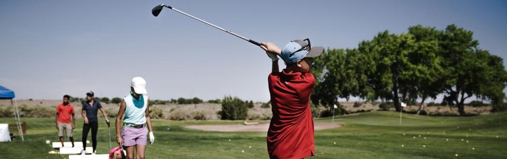 motivos-por-los-que-los-niños-deben-jugar-al-golf-jason-floyd-golf-academy